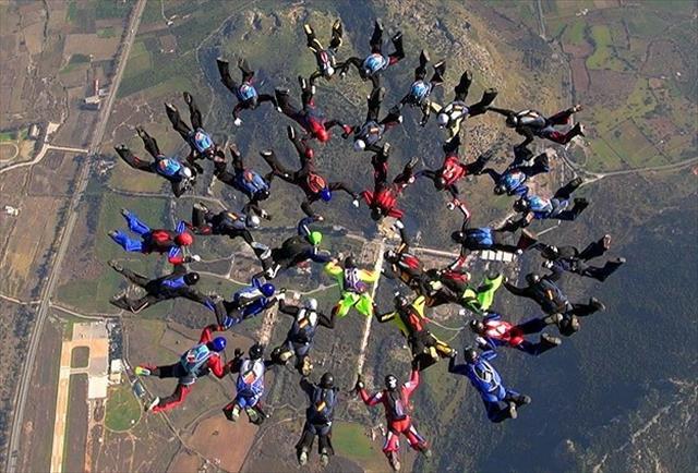Paraşütçülerden Türkiye rekoru