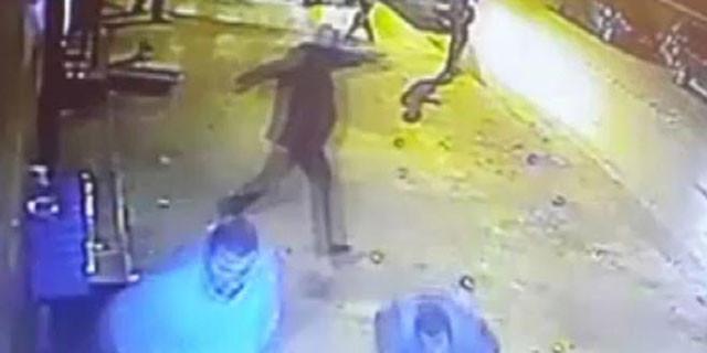 Ümit Karan'ın barı kurşunlandı