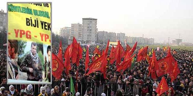 20 bin kişi sokağa indi!Diyarbakır'da olay pankart
