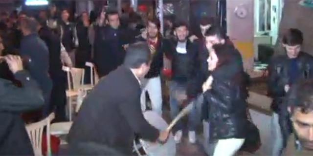 Beşiktaş taraftarlarından davullu zurnalı kutlama