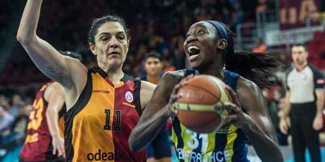 Fenerbahçe Galatasaray'ı devirdi!