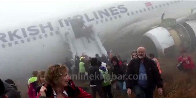 THY uçağı iniş yaparken pistten çıktı!