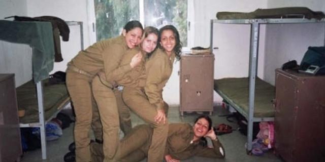 Kadın askerlerin koğuşundan şok görüntüler