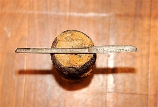 Askerin cephede mermiyi ezerek yaptığı savaş hatırası bıçak