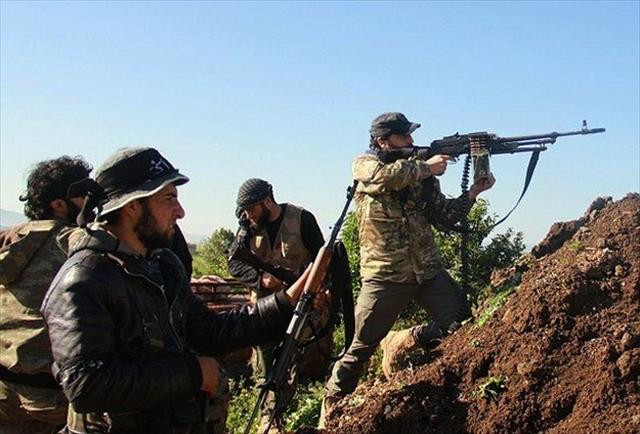Muhalifler İdlib'in Cisr eş-Şuğur ilçesini ele geçirdi