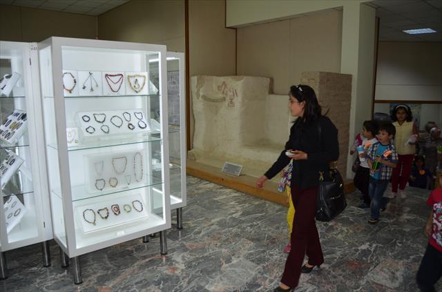 Binlerce yıllık takılar ilk kez görücüye çıktı
