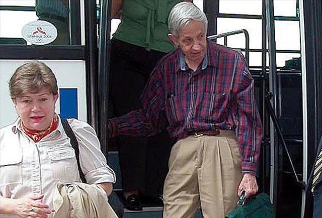 Nobel ödüllü matematikçi öldü
