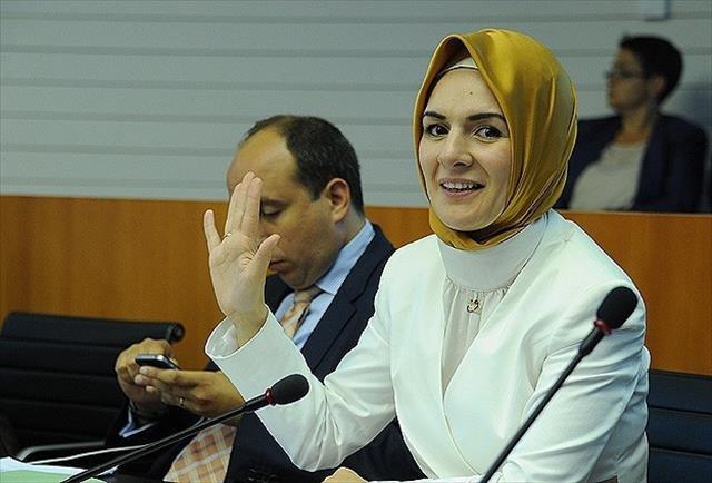 'Soykırım' baskısıyla partisinden ihraç edildi