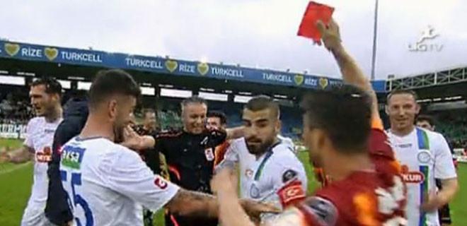 Bu kez sarı kartı Sabri gösterdi