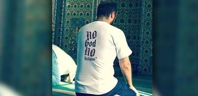 Camiye bu tişörtle gidince...