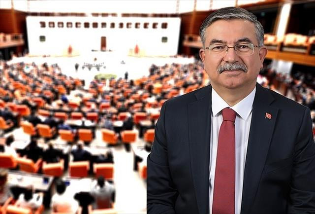 İsmet Yılmaz Meclis Başkanı seçildi