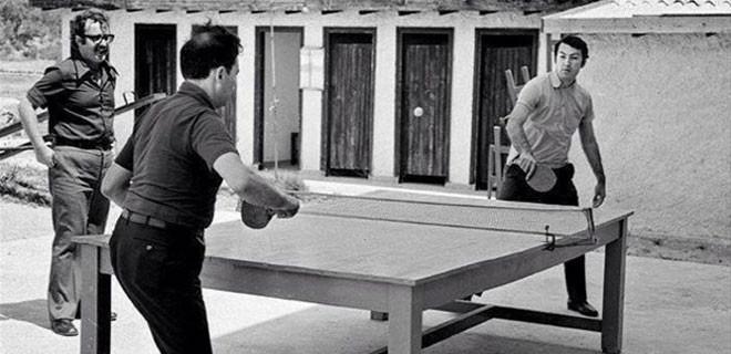 Masa tenisi oynadıklarına bakmayın