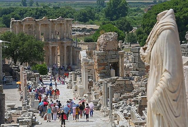 Efes Antik kenti UNESCO Dünya Miras Listes'inde