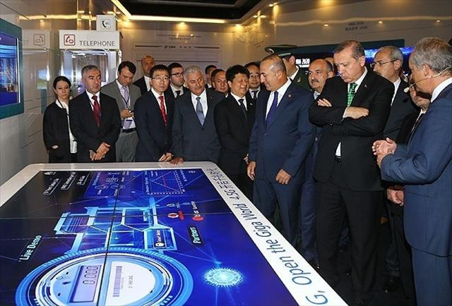 Erdoğan Huawei firmasını ziyaret etti