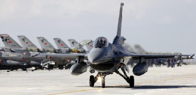 30 F16 havalandı