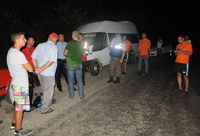 Koyda mahsur kalan 14 kişi kurtarıldı