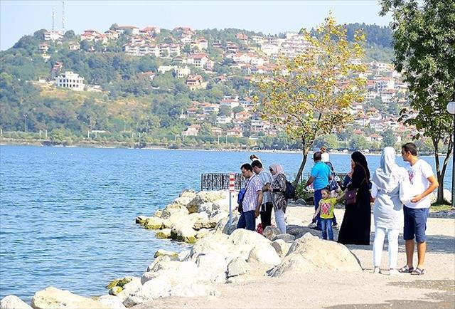Sapanca yabancı turistlerin gözdesi oldu