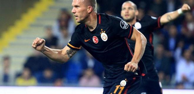 Podoloski'nin golü olay oldu