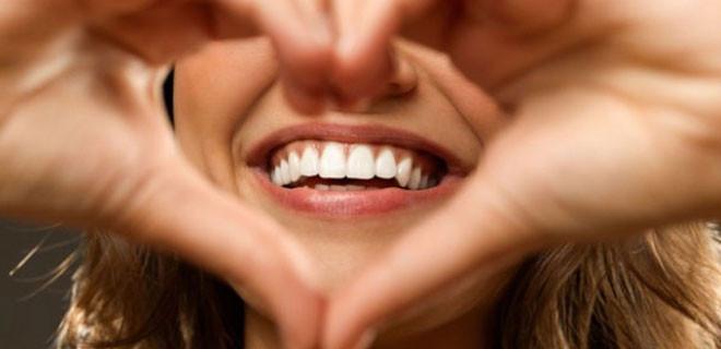 Eğer sizin de dişleriniz böyleyse DİKKAT!