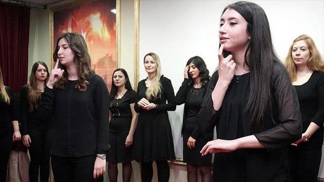 Tekirdağ'da işaret dili ile şarkı söylediler