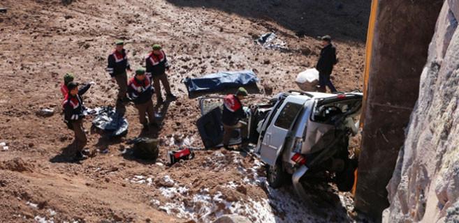 Ankara Konya yolunda feci kaza: 3 ölü