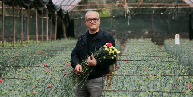 Rus sevgililere çiçek yok!