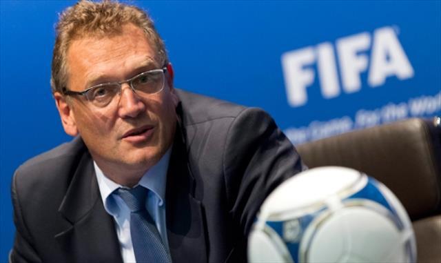 Eski FIFA genel sekreterine 12 yıl men !