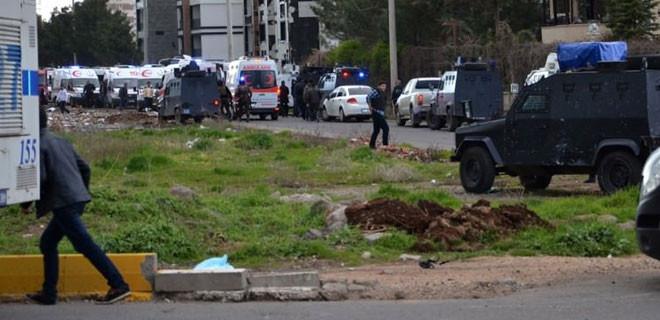 Diyarbakır'da büyük patlama! 4 şehit, 14 yaralı
