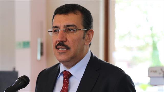 'Birileri ısrarla Türkiye içine kapansın istiyor'