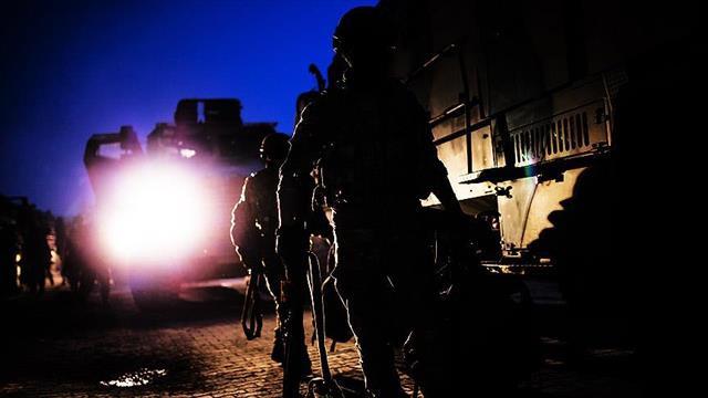 Dicle Jandarma Komutanlığına bombalı saldırı: 1 şehit, 26 yaralı