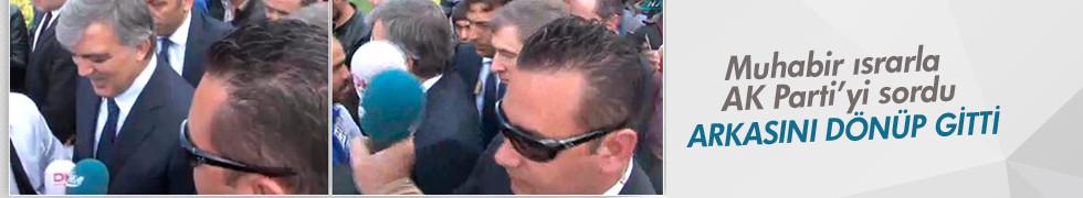 Abdullah Gül cami çıkışı sorulara yanıt vermedi