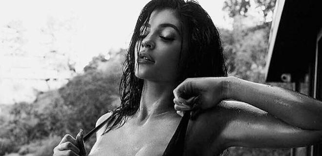 Seks kasediyle gündeme gelen Kardashian paylaşımlarıyla olay yaratıyor!