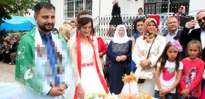 Evlenen arkadaşlarına bakın ne taktılar!