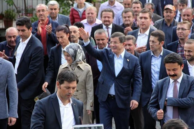 Davutoğlu'na sevgi seli