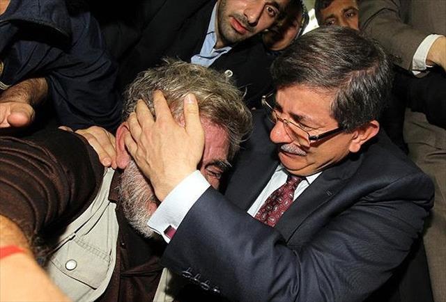 Gazze'de Davutoğlu sevinci