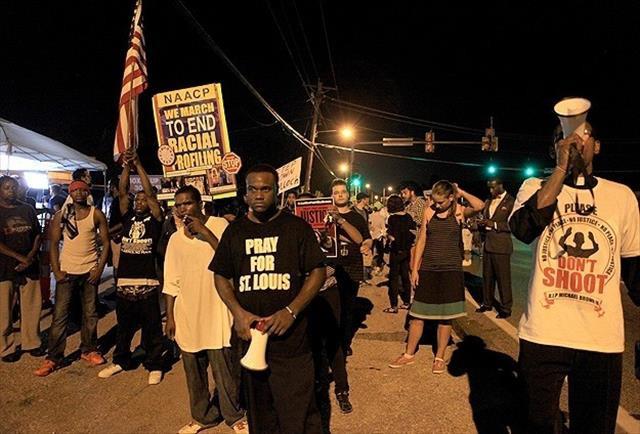 Ferguson'da gösteriler sürüyor
