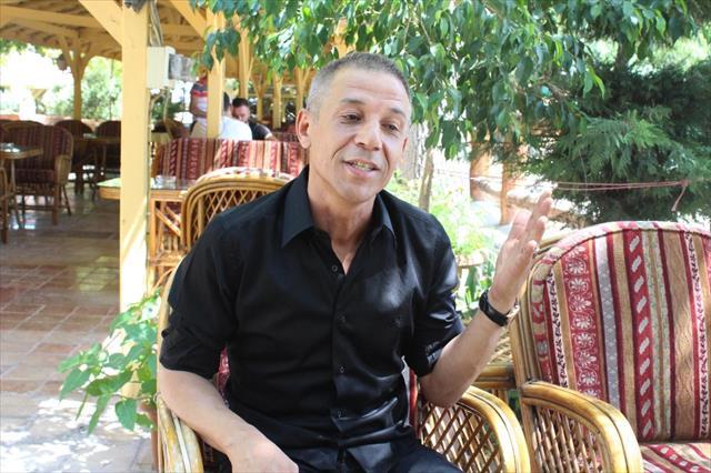 Türk askerine moral için saçlarını kesti
