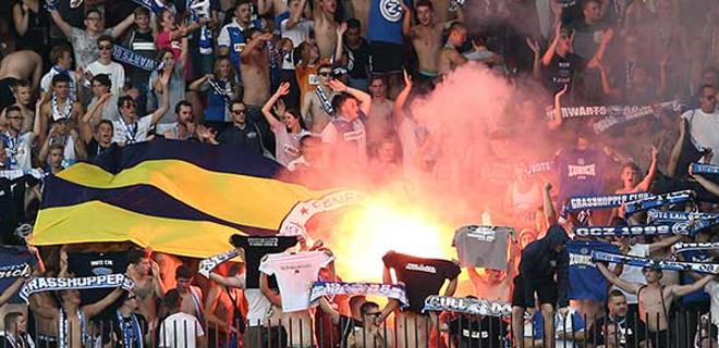 Fenerbahçe bayrağını yaktılar!