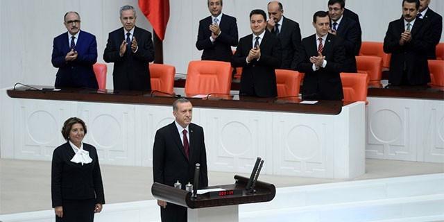 Erdoğan yemin ederek görevine başladı