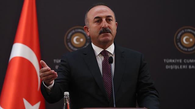 Çavuşoğlu: YPG'nin bir an evvel Fırat Nehri'nin doğusuna geçmesi gerekiyor