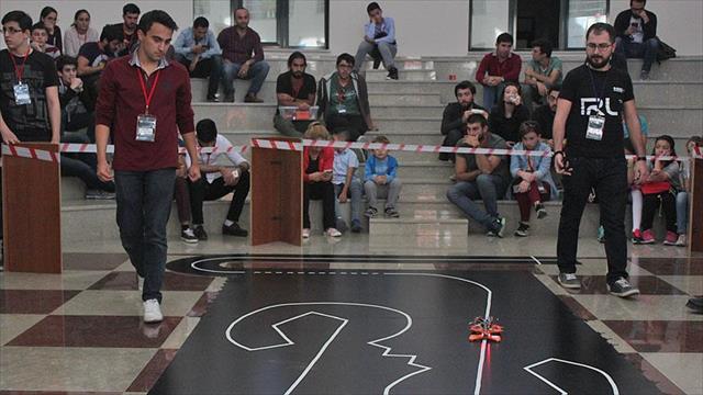 Robot meraklıları İzmir'de buluştu