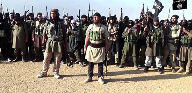 IŞİD, 16 kişiyi köprüden attı