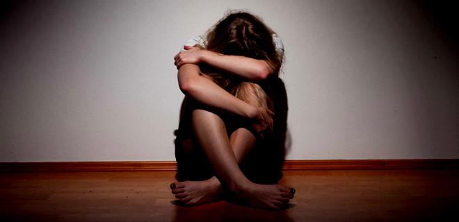 Küçük kızı 'Sana sürprizim var' diyerek tecavüze çağırdı