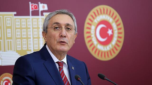 MHP Genel Başkan Yardımcısı Ayhan: Teklifi inceleyip, tavır belirleyeceğiz MHP Genel Başkan Yardımcısı Emin Haluk Ayhan, anayasa teklifi metni Meclis'e geldiğinde inceleyeceklerini, kendi ilkeleri ve