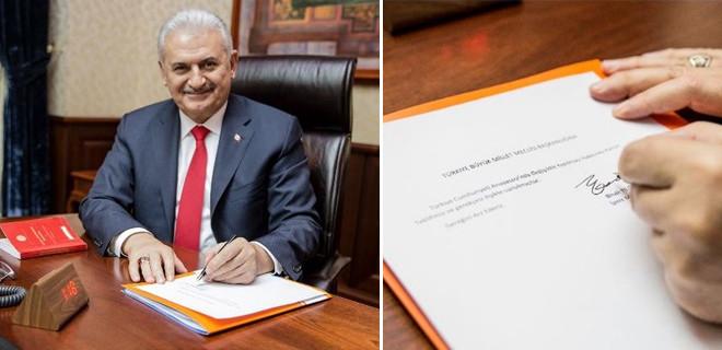 Başkanlık için ilk imza Başbakan Yıldırım'dan