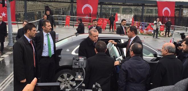 Cumhurbaşkanı Erdoğan saldırının olduğu noktada