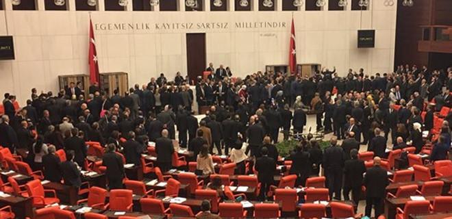 Meclis Genel Kurulu'nda gerilim