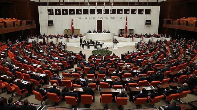 Anayasa değişikliği teklifinin 4. maddesi 343 oyla geçti.