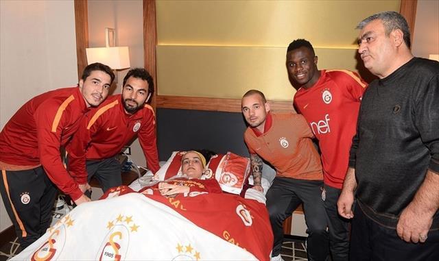 Galatasaraylı futbolculardan örnek davranış