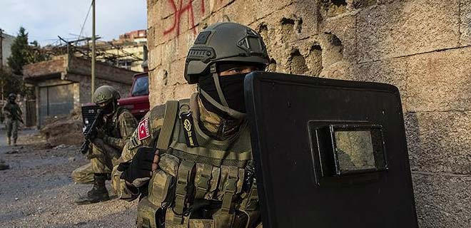 Mardin'de silahlı çatışma...